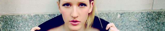 Ellie Goulding (powded lips)