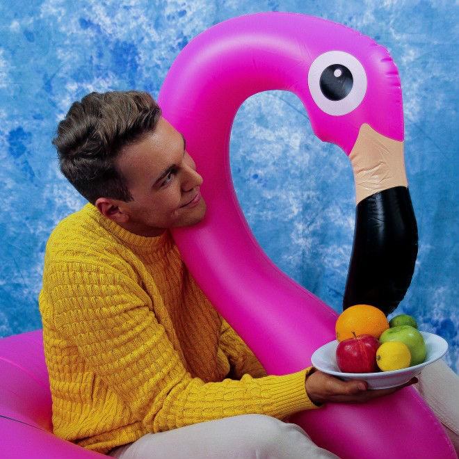 Yung Bae and Flamingo