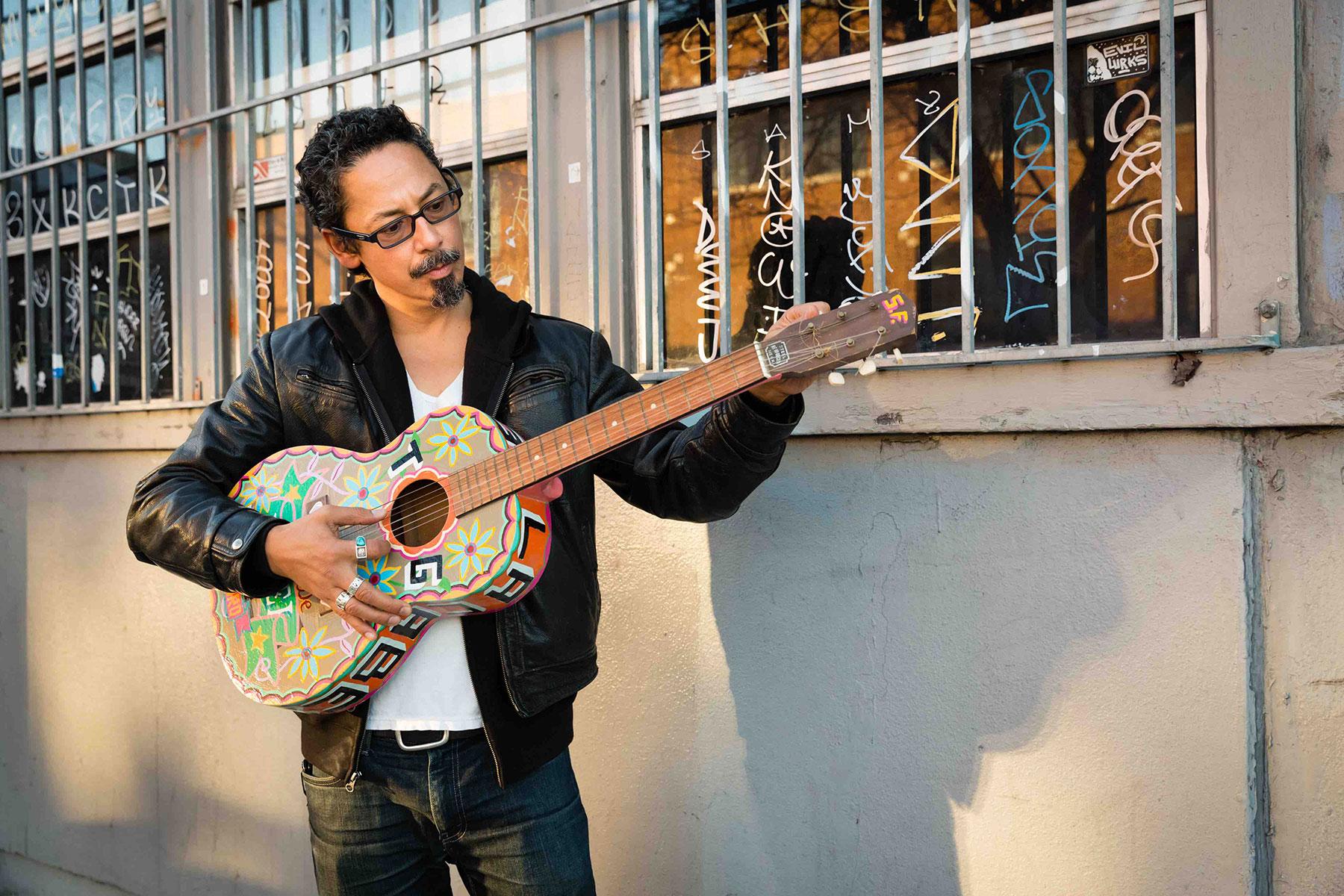 Tommy Guerrero Guitarin
